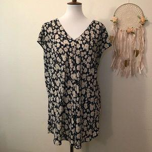 Lauren Ralph Lauren Tops - Ralph Lauren Navy and Ivory flora tunic blouse
